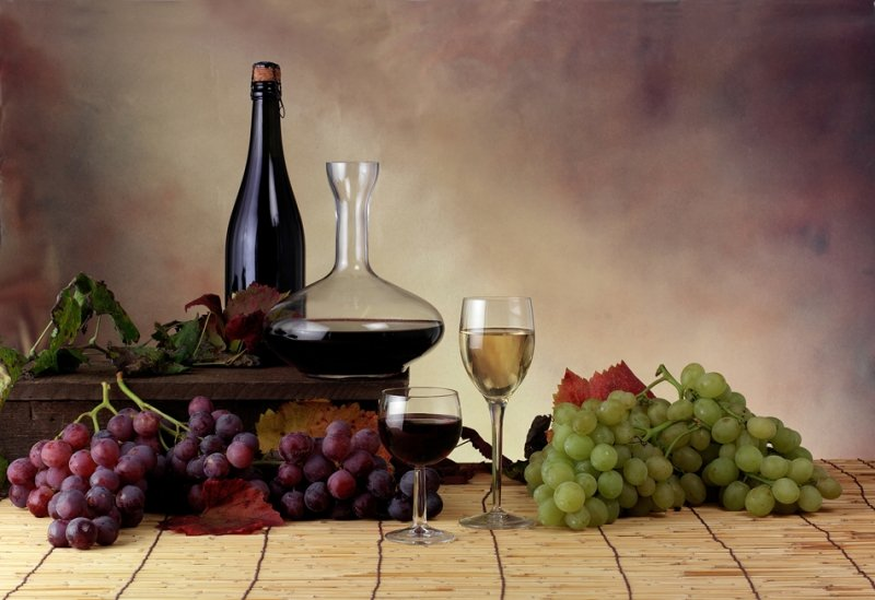 Wines and Grapes on a table